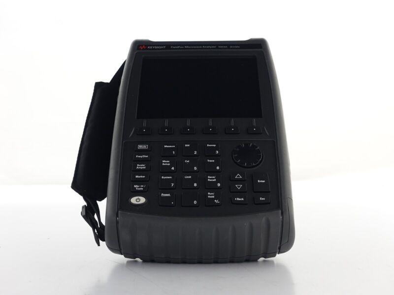 Keysight Used N9918A 26.5 GHz FieldFox HH Microwave Analyzer - fully loaded