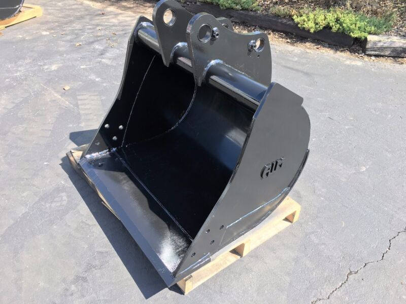 "New 36"" John Deere 310sj Backhoe Bucket - No Teeth"