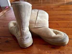 Authentic Uggs size 8
