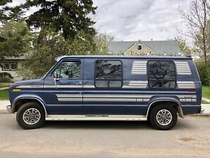1983 Ford Econoline Luxury Van