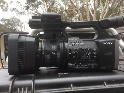 Sony FDR-AX1 4 K Professional camera