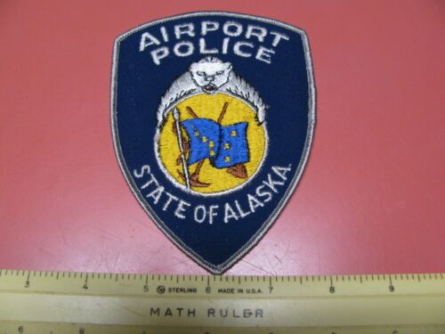 OLDER AIRPORT POLICE ALASKA DEPARTMENT COLORED PATCH ~NICE~