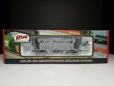 Atlas RTR 1819-3 - PS-2 2-Bay Covered Hopper Car Great Northern #71504 Hopper Ps2 3 Bay