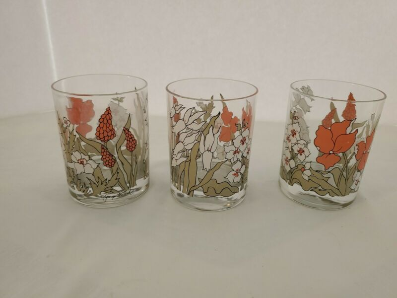 """Georges Briard White & Peach Flowers Rocks Cocktail Glasses 4"""" - Set of 3"""