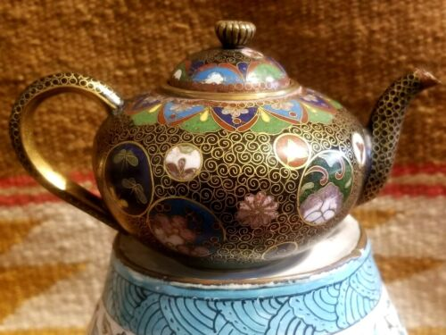 RARE QING DYNASTY 19th C CHINESE CLOISONNE MINI TEAPOT COLORFUL w BUTTERFLY