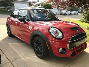 2015 Mini Cooper S JCW Fully Loaded! 5 Door Best Looking Mini!