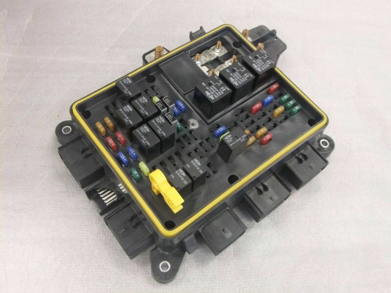 Freightliner Power Distribution Module/Fuse Panel Eaton A66-05172-001 Blemished