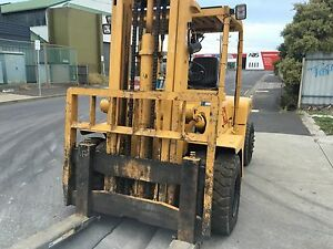 TOYOTA 6 TONNE FORKLIFT SALE BY PUBLIC AUCTION. Derwent Park Glenorchy Area Preview