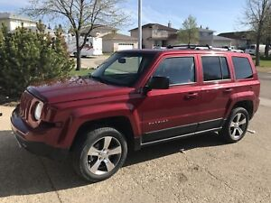 2016 Jeep Patriot High Altitude 4X4 low KMs warranty TRADES?