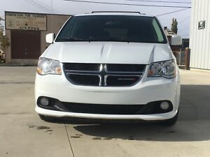 2017 DODGE GRAND CARAVAN CREW PRICED TO SELL GET APPROVED