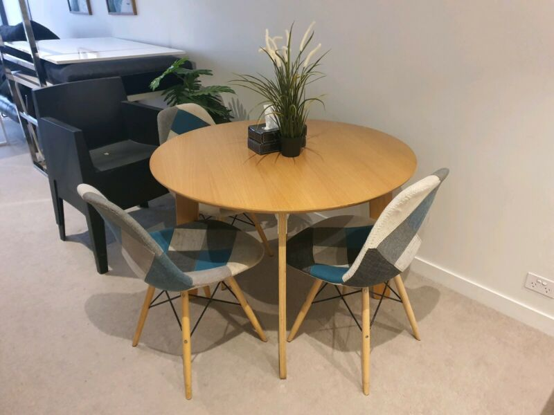 Coco Republic Design Round Wood Dining Table Chairs Are Sold Southbank Dining Tables Gumtree Australia Melbourne City Southbank 1260648322