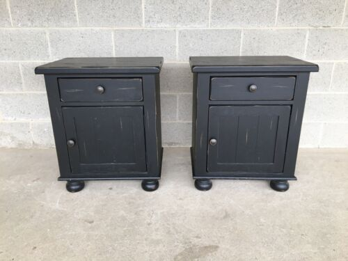 BROYHILL ATTIC HEIRLOOMS BLACK DISTRESSED SINGLE DRAWER NIGHTSTANDS  - A PAIR