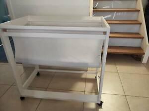 Basinet with mattress