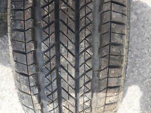 215/55R18 Bridgestone 1 pneus d'été neuf 50$