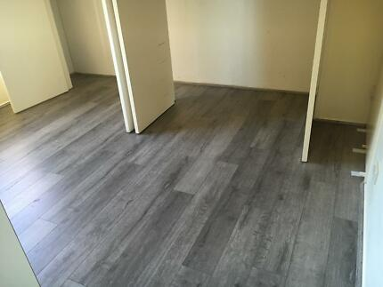 Floating floor installers