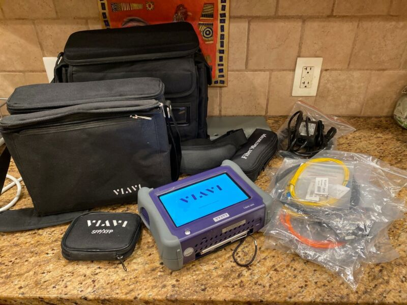 Viavi / JDSU T-BERD 5800 v2 Ethernet FIber Optic Network Tester w/ Accessories