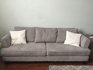 Stunning like new sofa, 8 Feet long