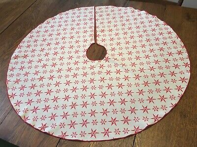 "Vtg 35"" Christmas Tree Skirt White w/ Red Snowflakes"