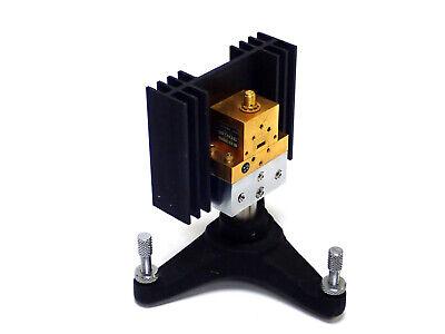 Hughes 44042h Microwave Source Wr28 0.28 X 0.14 Wg22 26.5 - 40ghz W Sma F Con