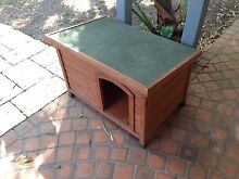 Medium timber dog kennel Mermaid Waters Gold Coast City Preview