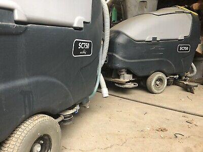 Commercial Floor Scrubber Machine