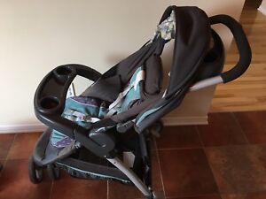 Graco Snugride click connect 35 travel system