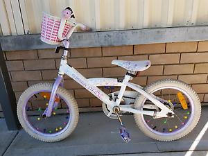 "Girls bike 16"" Holmesville Lake Macquarie Area Preview"