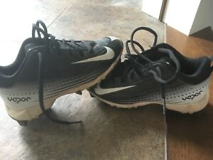 Boys baseball cleats size 13