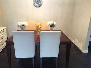 Palliser dining table - 6 parsons chairs
