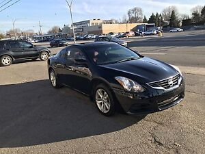 Nissan Altima 2.5 coupe 2012  for only  7900$ price reduced