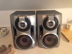 Sony Hybrid Duel Woofer, Super Woofer Integrated Speakers SS-BX7