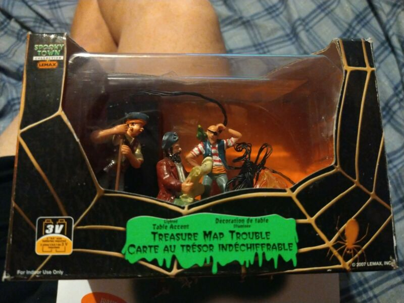 Lemax Halloween Spooky Town Pirates lighted TREASURE MAP TROUBLE