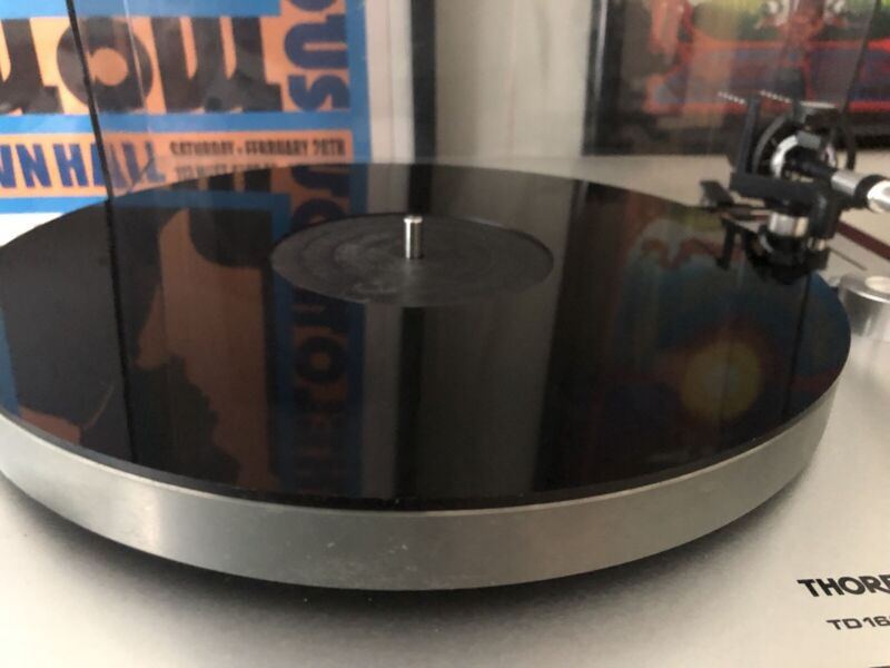 Acrylic Turntable Mat - Black LP Slipmat with Record Label Recess