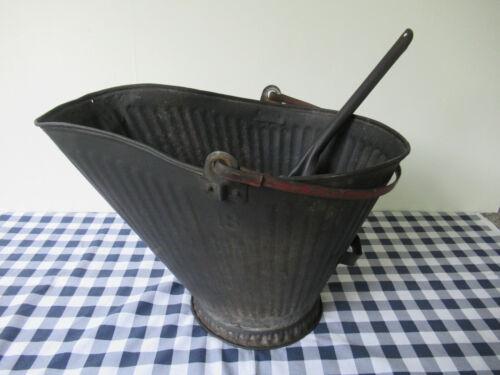 Antique Coal Scuttle Hod #18 Vintage Primitive Metal Ash Shovel Bail Handle