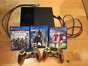 PS4, 2 Gold controllers, 3 games
