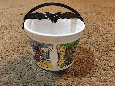Mcdonald's Halloween Pails (Vintage 2001 McDonald's Happy Meal Bat Handle Halloween Candy Pail)