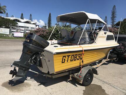 Boat 5m half cabin 100hp outboard