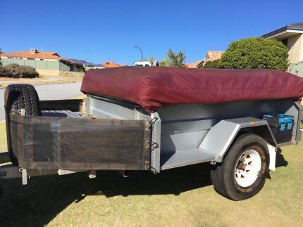 Johnnos off-road premier camper trailer