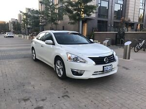Nissan Altima SL 2015 fully loaded