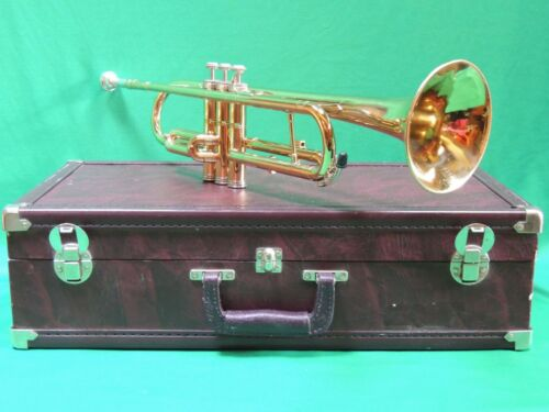 Holton USA🎺 T602 Refurbished Trumpet with Hardshell Case and MP Ser #882995