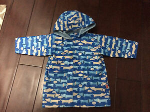 Magnificent baby magnetic closure raincoat 2T