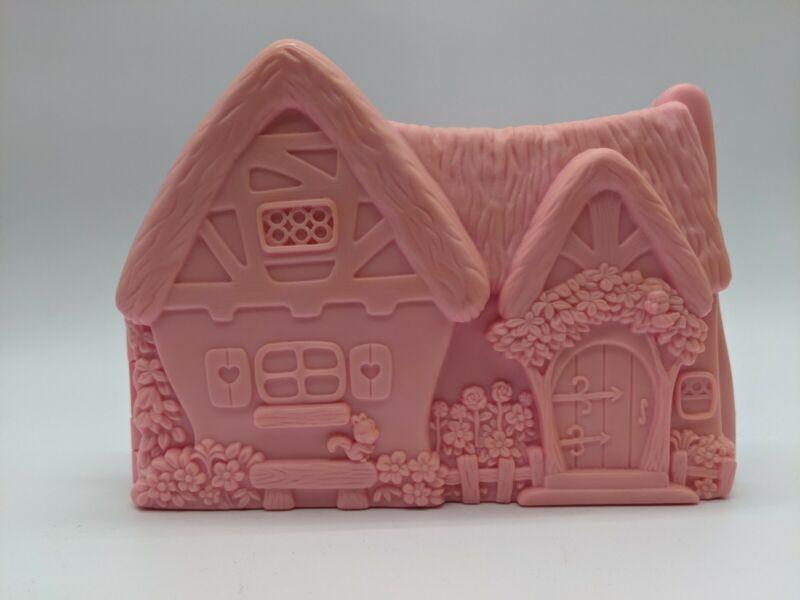 1993 Mattel Disney Snow White and the Seven Dwarfs Pink Cottage Playset