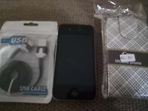 IPhone 4 32g unlocked very good condition with USB and case mobil Lakemba Canterbury Area Preview