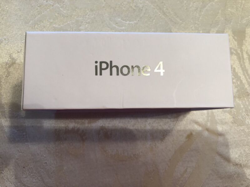 IPHONE 4 White Box & Quick Start Guide Manual with unopened earbuds