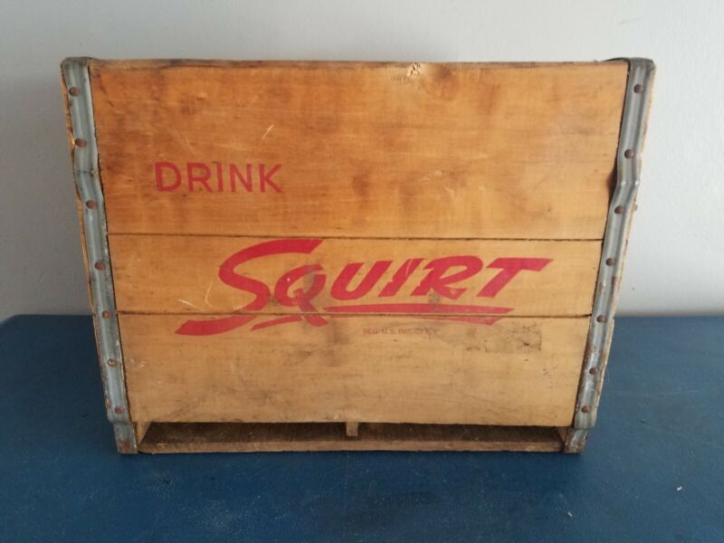 (VTG) 1950s squirt soda pop Bottle Wooden Crate Box Carrier game room