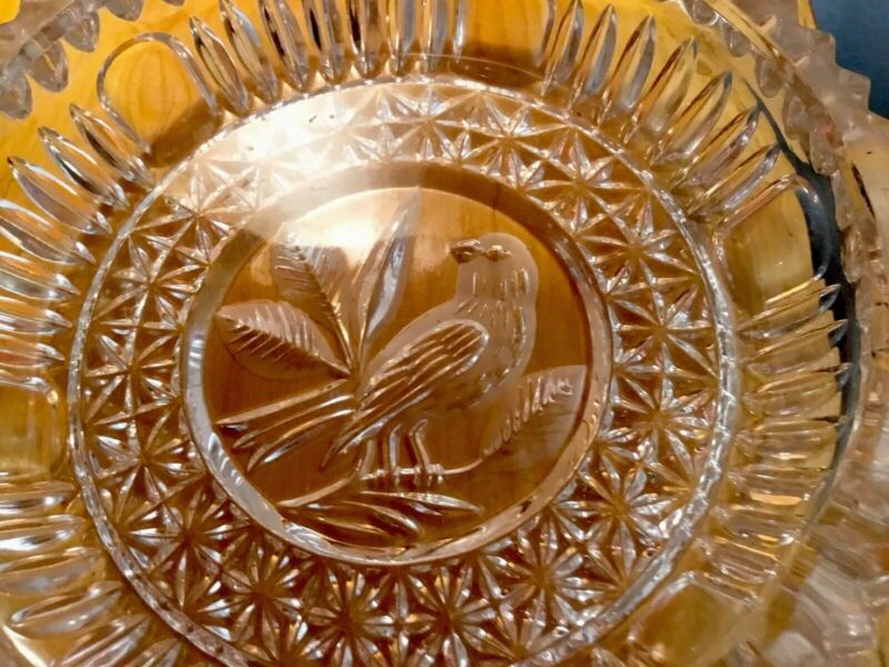 VINTAGE CIGAR ASHTRAY DETAILED CUT GLASS WITH REVERSE ETCHED BIRD HEAVY