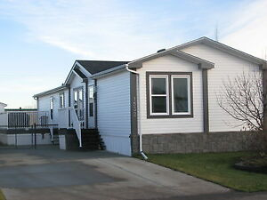 Beautiful 2010 Home for only $157,000! TONS OF UPGRADES!!