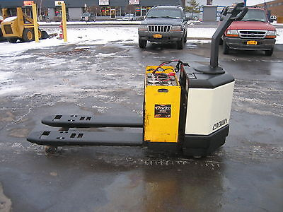 2003 Crown Electric 6000 Walk Behind Jack 48 Forks 24v With Battery Charger