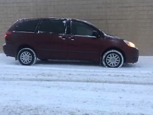 2004 Toyota Sienna LT SAFETIED READY FOR WINTER & XMAS!!