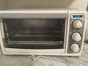 Black and Decker Toaster Oven $40